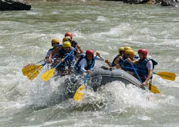 Rafting-adventure-tour-nepal