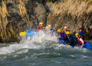 rafting-tour-to-nepal