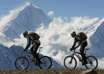 Biking-in-Annapurna-circuit