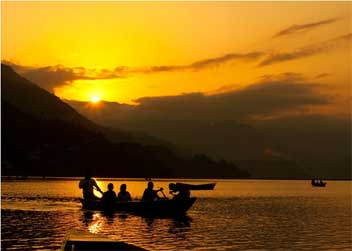 Pokhara-Boating-Tour-Nepal