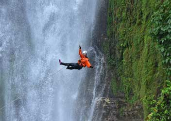 Canyoning-in-Nepal