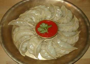 momo-making-in-nepal