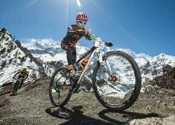 Mountain-biking-in-Nepal